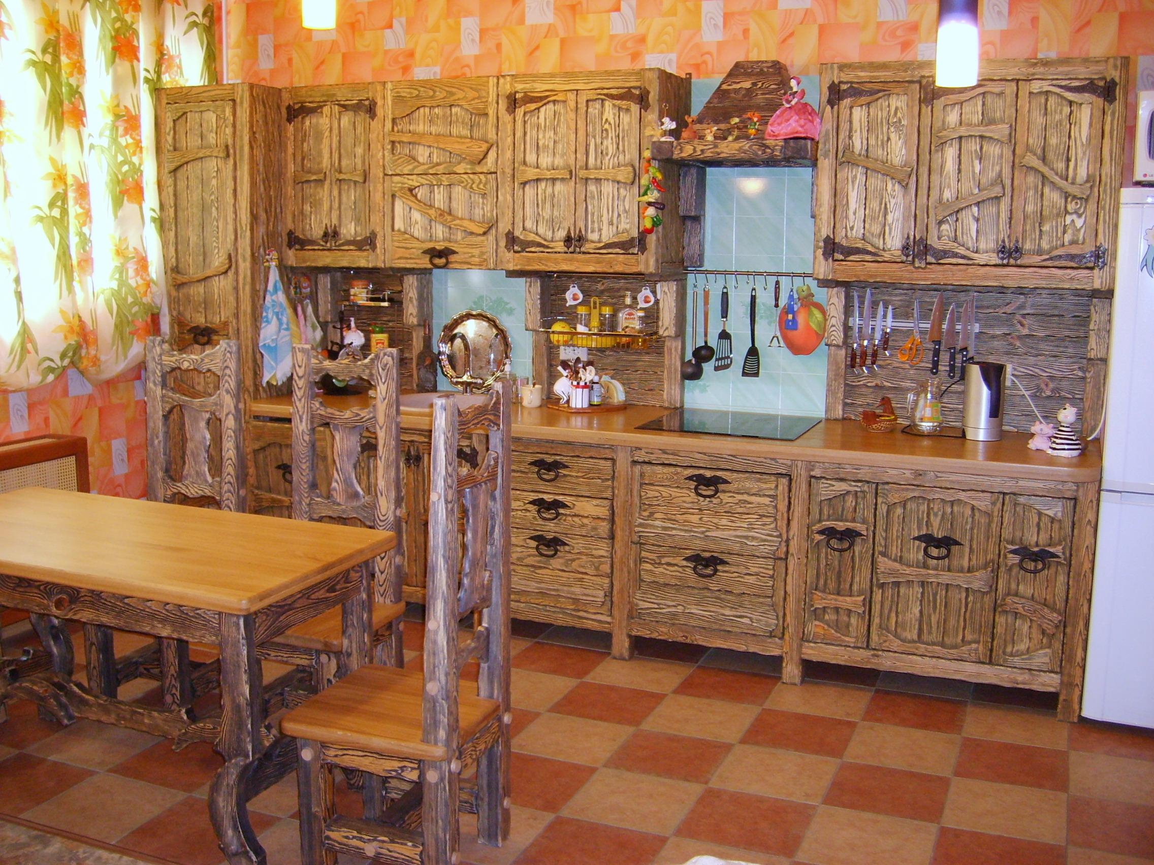 Фото кухни из дерева под старину своими руками